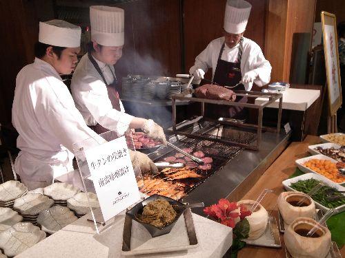 瑞鳳オリジナルシュラスコと牛タン、魚介の炭火焼き