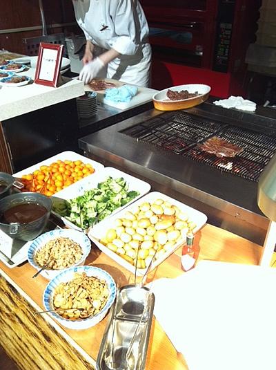 牛肉の炭火焼き