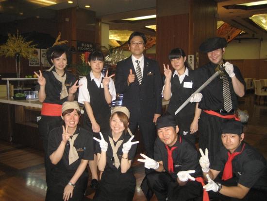 さて、本日からは夏の特別謝恩企画『和牛ステーキ&ずわい蟹食べ放題フェア』 がスタートしました!!この夏休みにたくさんのお客様にご利用いただきましたホテルからの